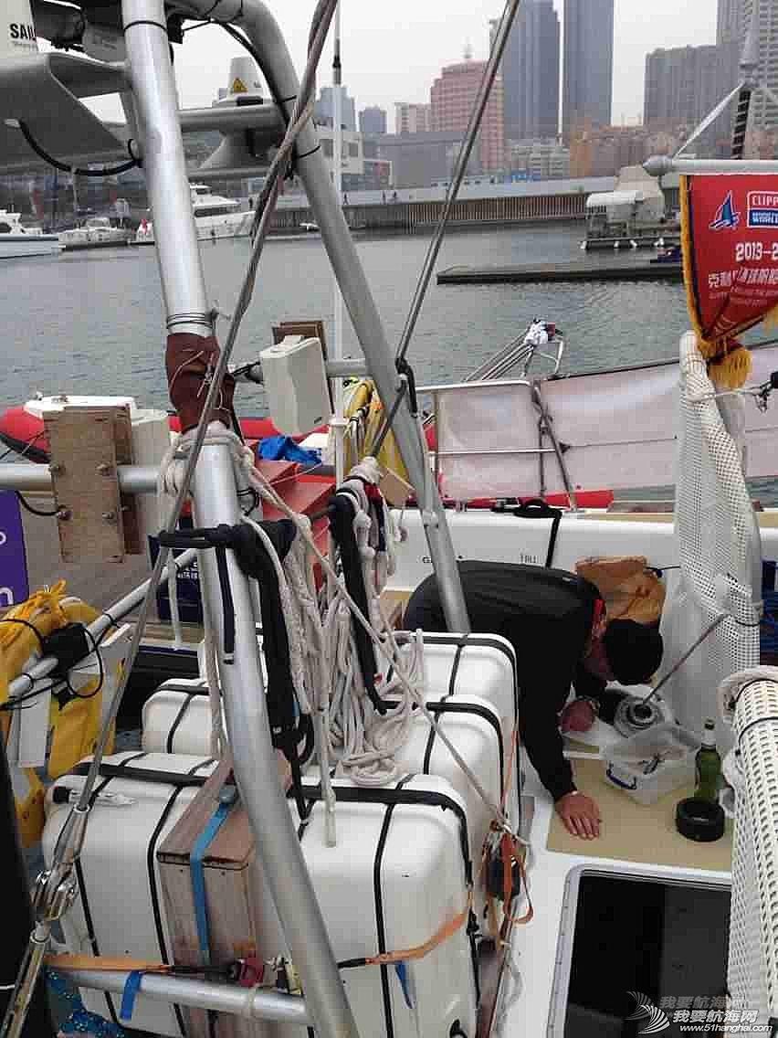 3月12日,徐京坤受到garmin号上来自澳大利亚帕斯的水手马克邀请参观他们的船。
