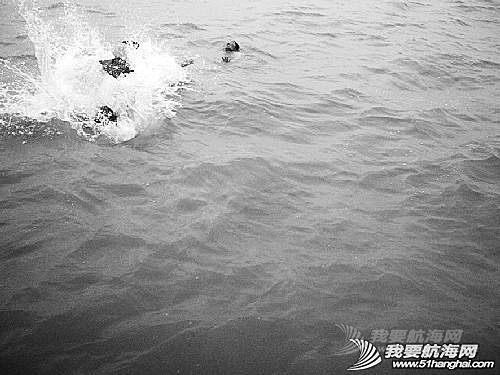 运动员,帆船,如何,知识 2014-05-06【帆船知识】船员落水 如何营救