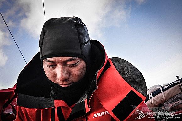 中国船员,东风队船长,大西洋,大自然,实战训练 东风号几乎撞上了一条鲸鱼,遭遇了东风队实战训练以来最危险的时刻。