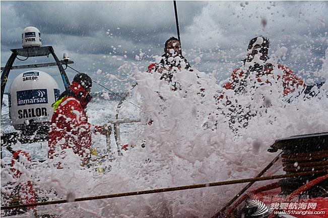 沃尔沃,北大西洋,候选人,普通人,过山车 东风队随船记者候选人蓝一伦曾质疑帆船到底是用来比赛的,还是用来折磨人的。