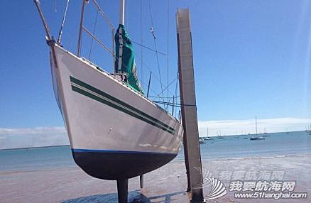 达尔文,俱乐部,中文,帆船 达尔文有7米的潮差,单体船就在低潮时捆在旁边做船底工作。