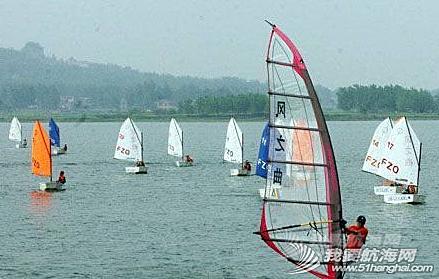 """运动员,青奥会,金牛湖帆船赛 金牛湖正打造一流的青奥帆船场地,借力青奥东风驶向""""世界湖泊帆船之都""""。"""