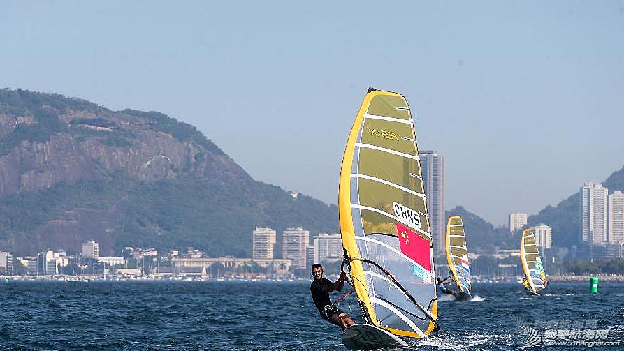 里约热内卢,奥运会,2014里约国际帆船赛 8月3日,2014里约国际帆船赛在里约热内卢瓜纳巴拉湾举行首个竞赛日的比赛.