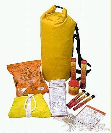 瑞士军刀,帆船运动,身份证,海水淡化,塑料板 GRAB BAG是大海航行必备的安全措施。GRAB BAG 内需要放什么东东?