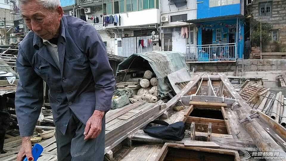 香山,清理,南台II号 南台II号在厦港渔民阮亚婴父子的友情协助下,从香山游艇码头移泊沙坡尾。