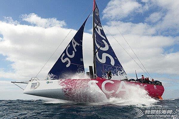 阿尔维麦迪卡队 2014-2015沃尔沃环球帆船赛第一站港内赛阿尔维麦迪卡队以微弱的优势赢得本场比赛。