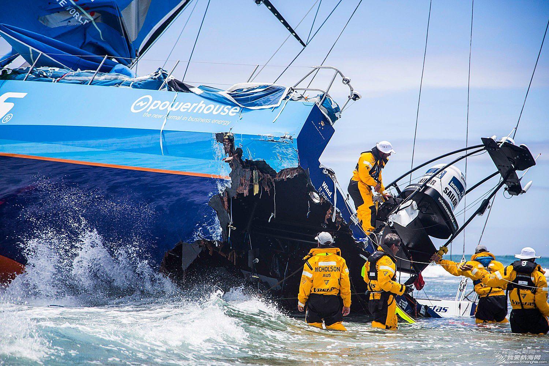 北京时间,毛里求斯,沃尔沃,海岸警卫队,印度洋 环球帆船印度洋触礁惊险撞击瞬间 水手宁受鲨鱼威胁不弃船 挑战极限荒岛求生