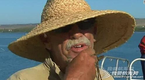 美国密苏里老汉海上漂流12天生还仅靠捕鱼果腹.