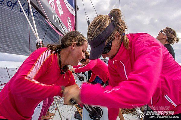 西班牙,沃尔沃,阿布扎比,帆船运动,大西洋 爱生雅队姐妹花齐力奋战沃尔沃环球帆船赛