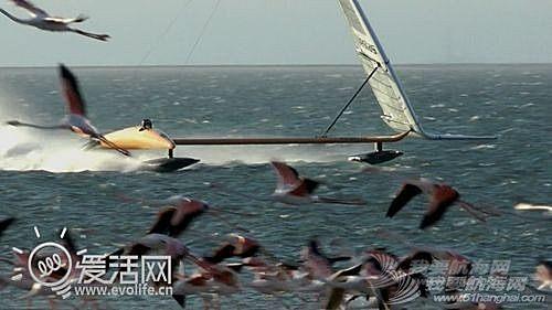 帆船,VSR2,历史纪录,冲浪风筝 疯狂老外打破帆船世界纪录 最高速度超100KM/h