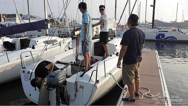 青岛的一个帆赛(夏季2K赛)