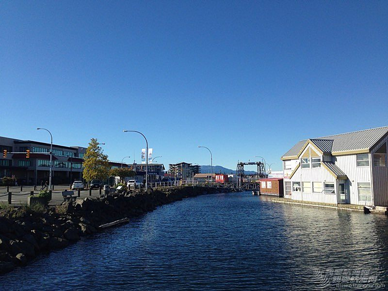 中秋抵达加拿大海滨小城
