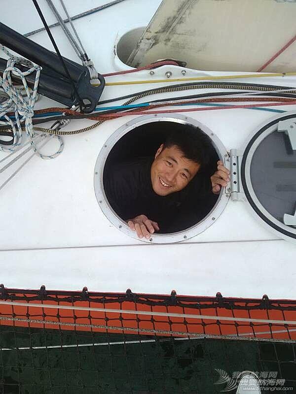 青岛号大帆船洗刷刷活动