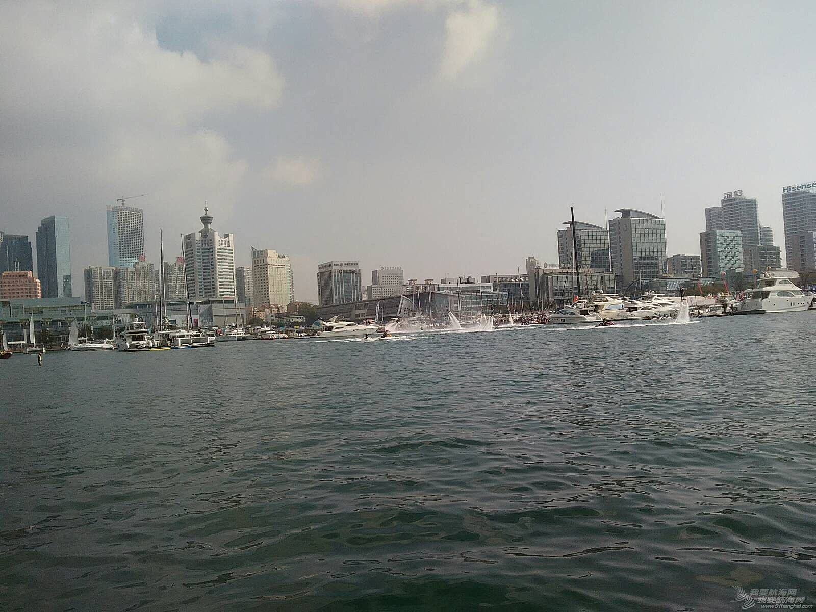 一上午好热闹的码头啊