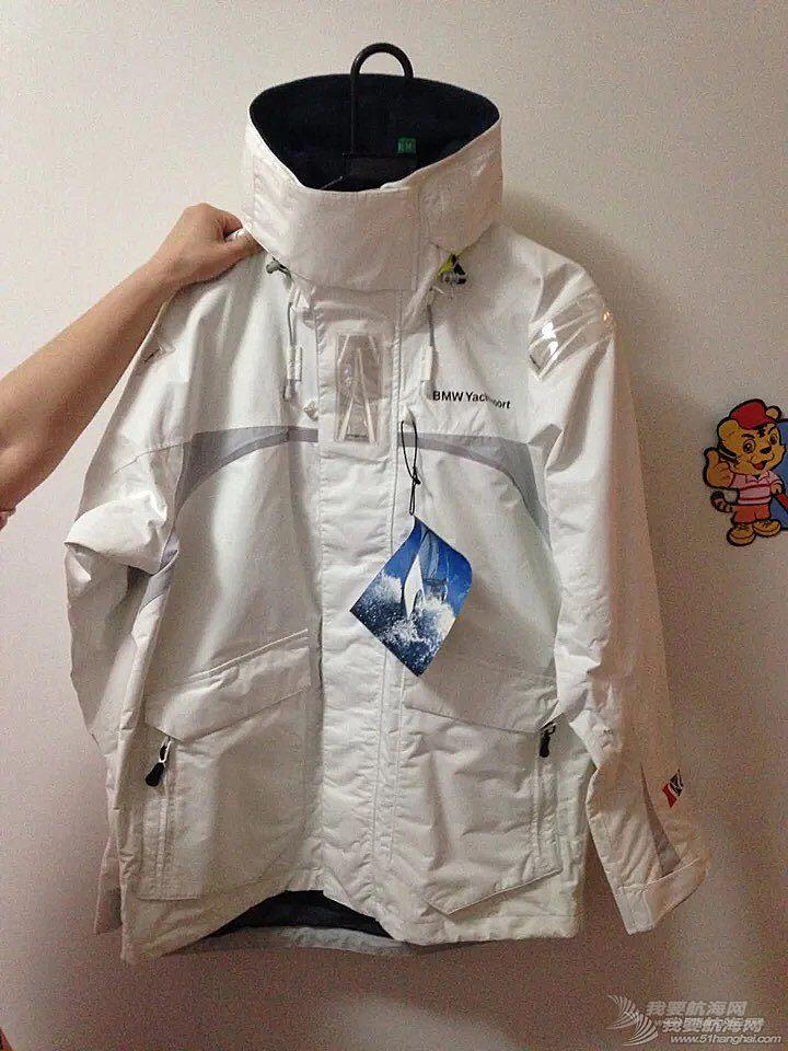 出一件航海服,全新带吊牌,身高175左右合适,寻有缘人