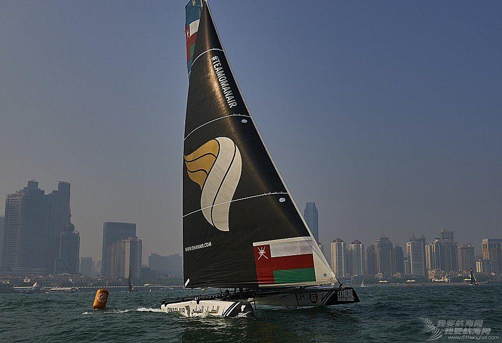 极限帆船系列赛青岛站赛程过半  冠军船队阿曼航空队展现实力