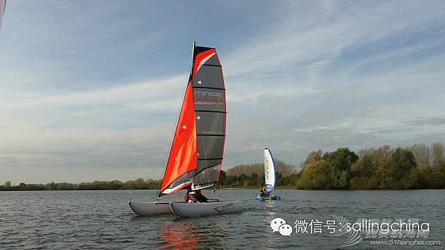 MINICAT充气式双体帆船