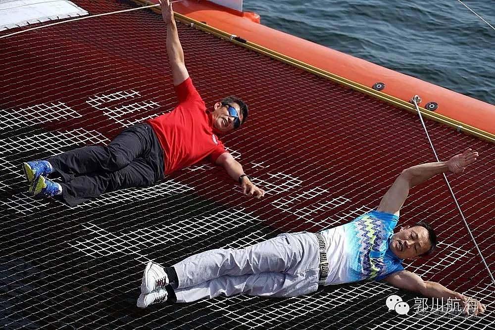 北京时间,训练舰,美国,巴西,国家 郭川船长参加里约高桅船海上巡游和李东华一起玩体操