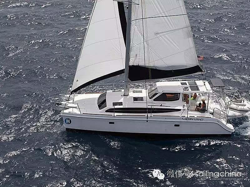 双体帆船与单体帆船的对比