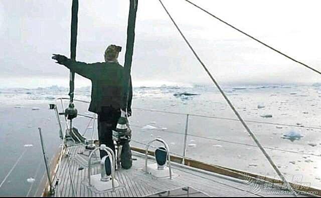 """香港""""探索之鹰""""号帆船抵北极圈"""