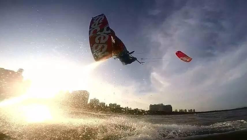 风筝冲浪,帆板运动 阿光——风筝冲浪极限玩家,有喜欢和他交朋友的吗?