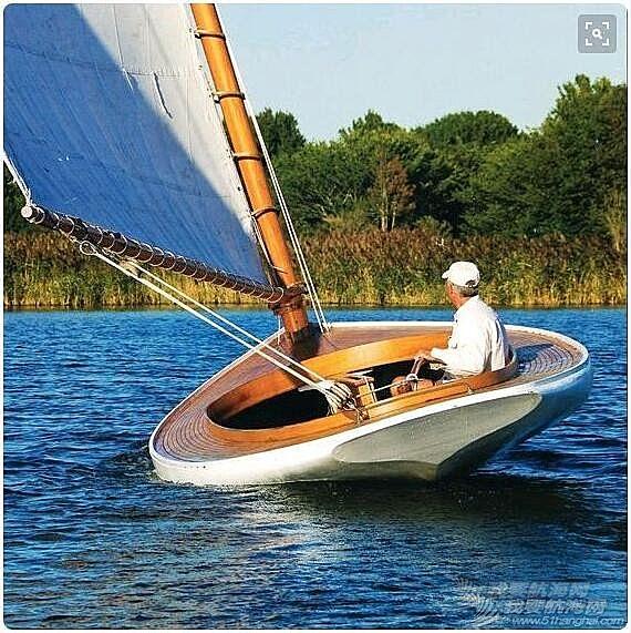 有谁知道这是什么船,很可爱的样子。