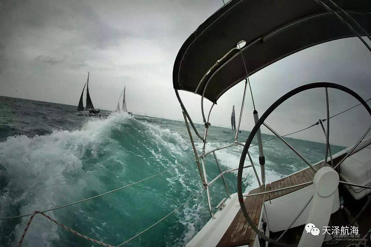 去海南只是度假?顺便学个帆船才算会玩!