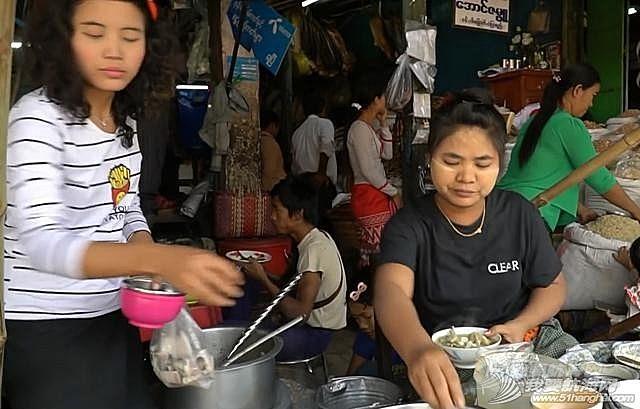 在缅甸银河国际开户18108830021花了3块钱吃牛肉河粉,当老板娘抬起头时