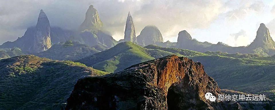穿越波利尼西亚神秘大三角:一妻两夫的外星乐园,食人族特供烧烤