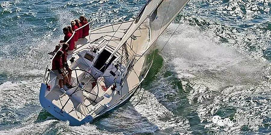 Oceanis 35.1,您的舒适海上起居空间