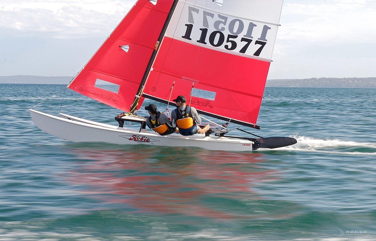 HOBIE16 颠覆性的 多体船 航海体验