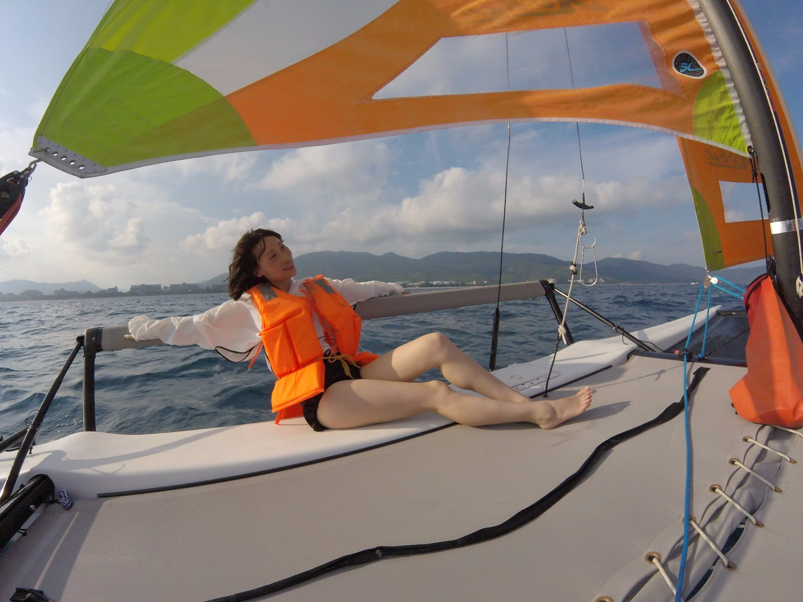 hobie getaway全新现货双体帆船 可休闲自己玩可上沙滩带客人满员8人 海边旅....必备
