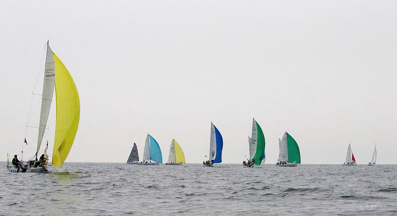 """2018""""河港杯""""秦皇岛国际帆船赛正式拉开帷幕"""