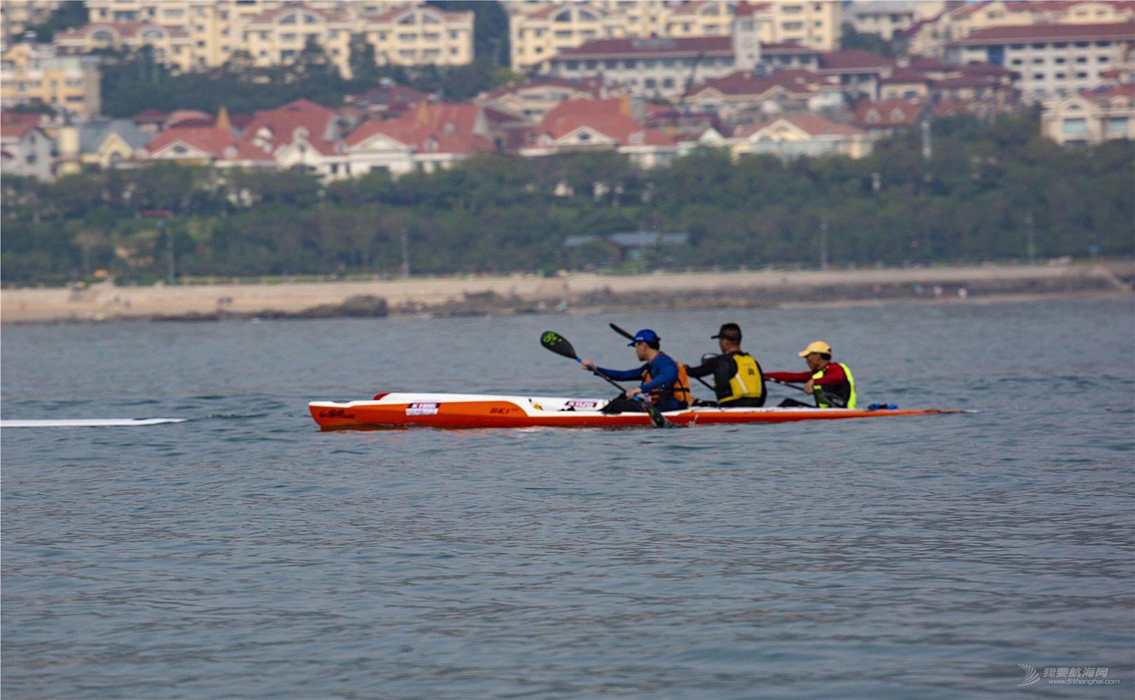 2018青岛国际皮划艇桨板竞速邀请赛在石老人浴场开赛。