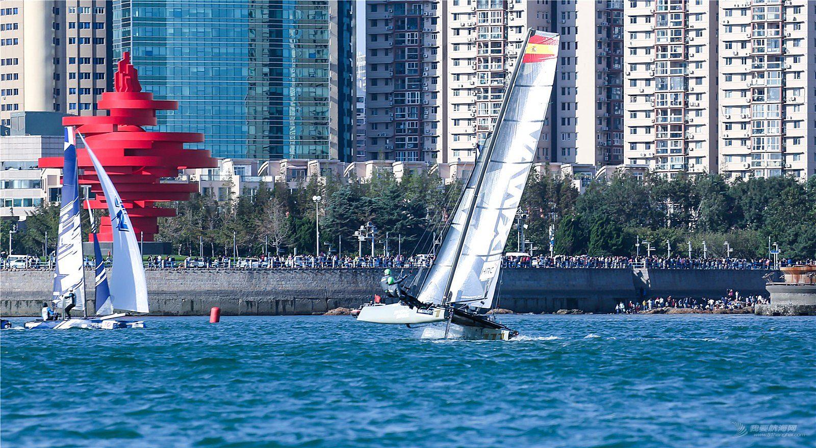 随拍2018、青岛国际极限帆船赛,帆舞浮山湾。精彩瞬间。