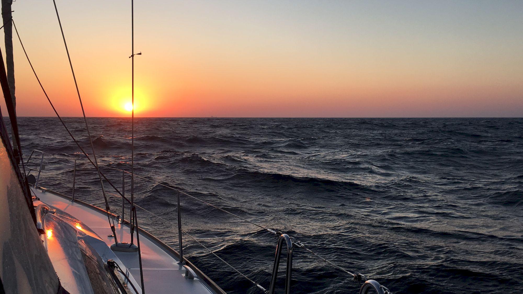 030-IMG_3530_千帆俱乐部我要航海网帆船队-2016威海-仁川国际帆船赛.JPG