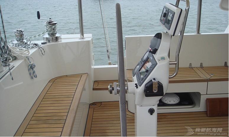 deck-fitting2.jpg