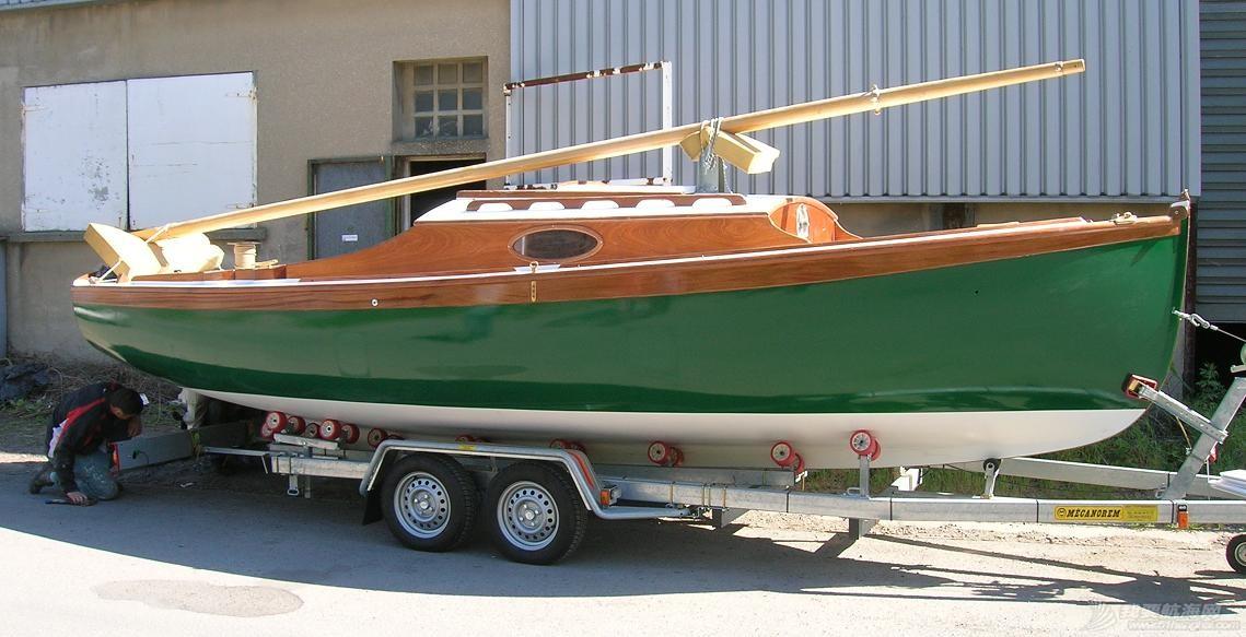 bateaux-sur-la-remorque.jpg