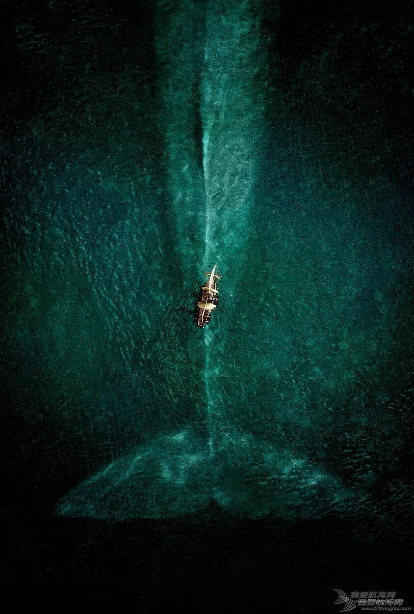 《海洋深处》