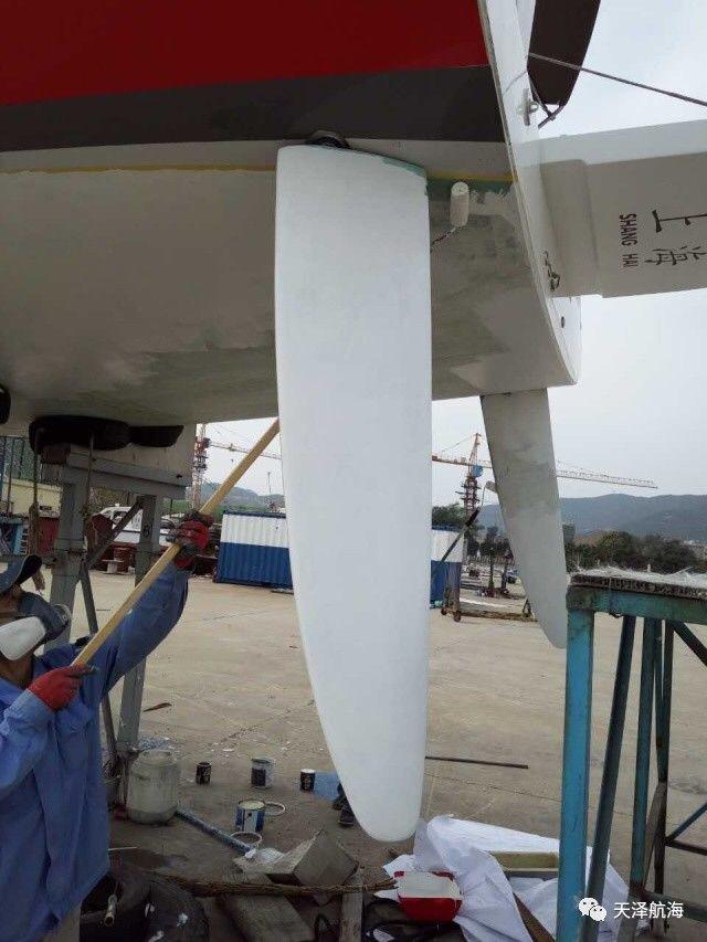 """帆船,保养,他们,比赛,四个 天泽小贴士 帆船冬季上坞,也需定期""""保养""""  100750ljhjmv64h4smzh1s"""