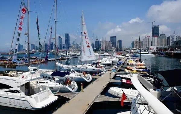 """帆船,保养,他们,比赛,四个 天泽小贴士 帆船冬季上坞,也需定期""""保养""""  100812zisdvzisq0chnrqu"""