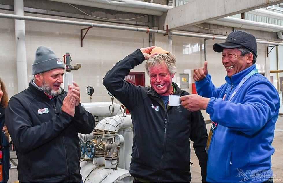 琅琊台酒香飘克利伯 克利伯船员现场体验琅琊台酒酿造 感悟中国海洋生态白酒文化