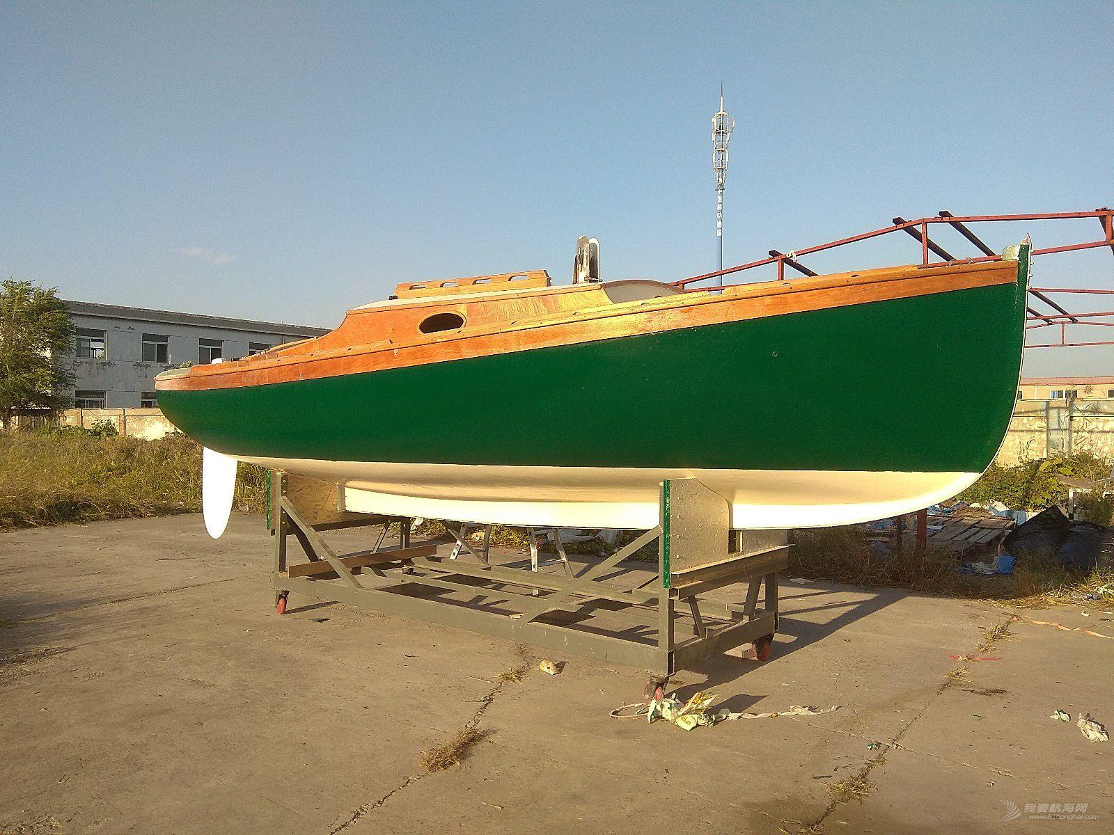 TR68帆船完成最后的船壳涂装