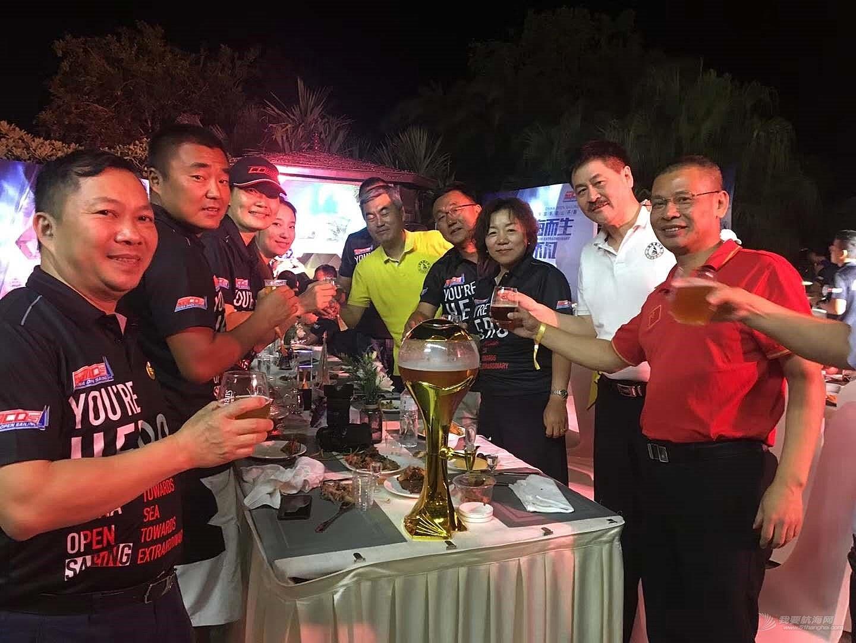 中国帆船公开赛长航赛圆满结束,9日将进行最后的场地赛,青岛天泽航海帆船队向总冠...