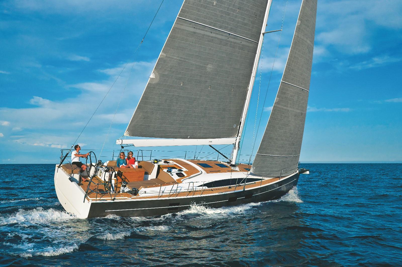 冠军赛船-阿兹尔46