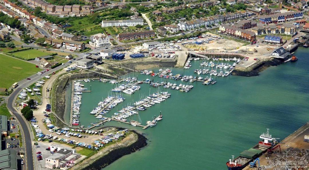 英国游艇码头分布第十篇,布莱顿w10.jpg