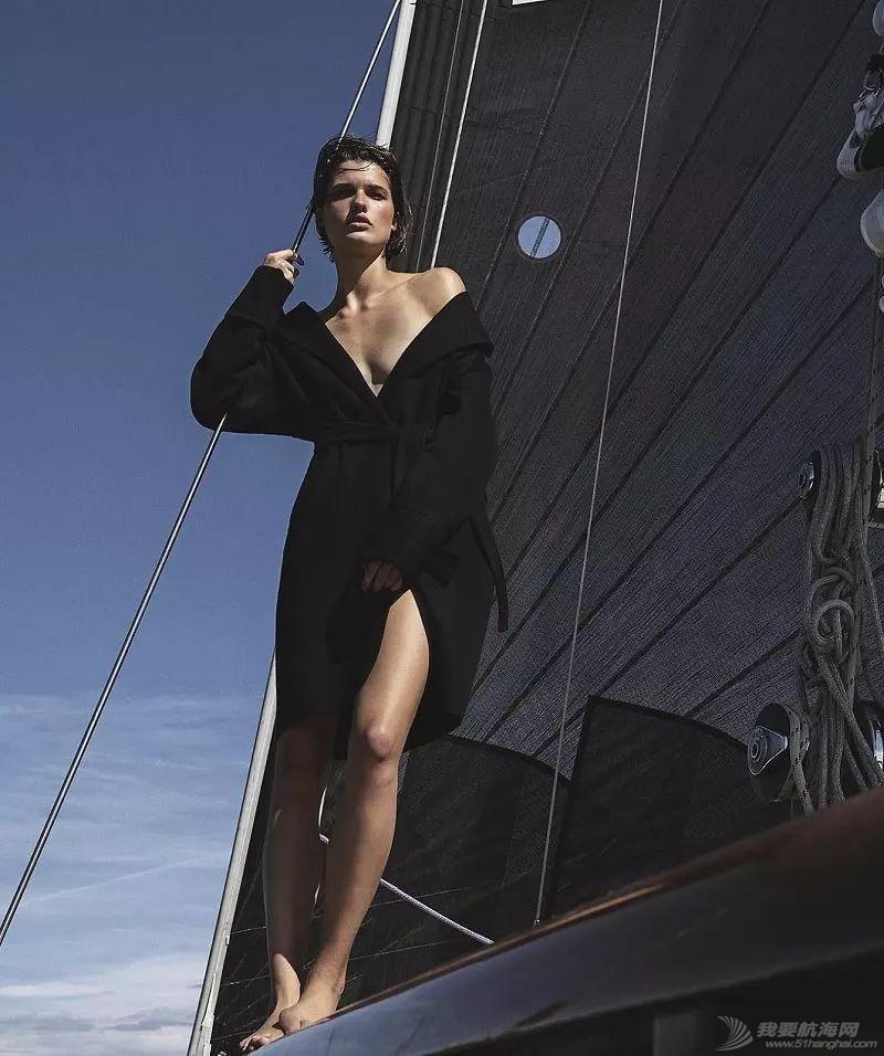 船上她最性感,至少在今夜w10.jpg