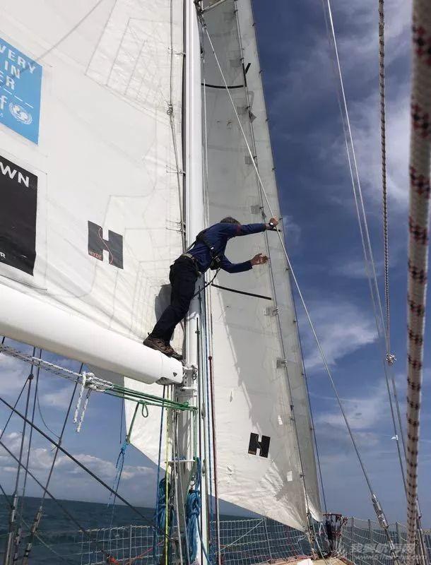 船员故事|面对眼前的屏幕与安逸,还是拥抱天边的诗歌和大海w6.jpg
