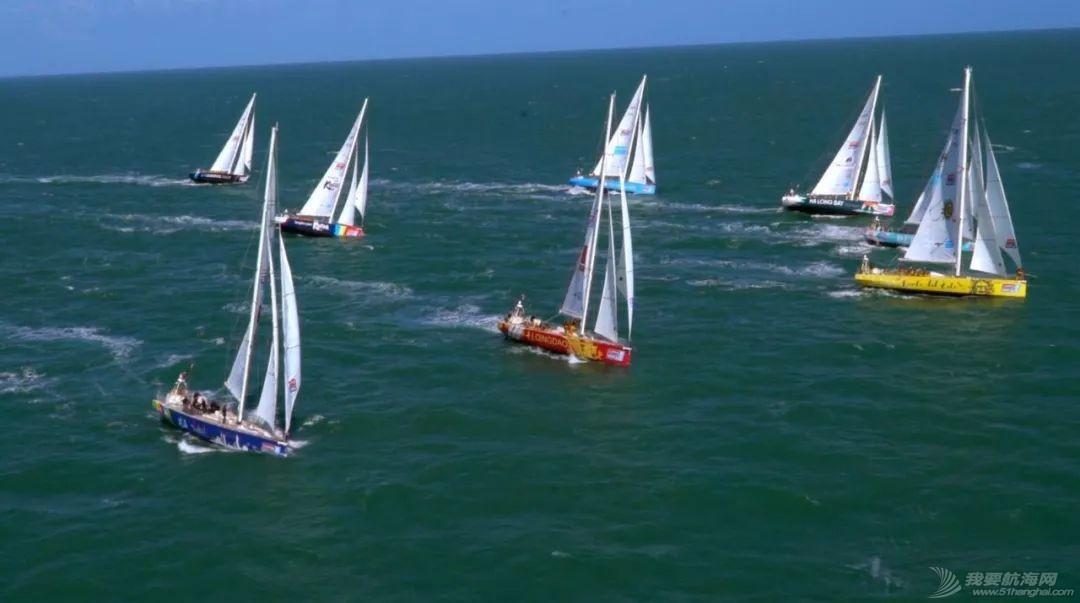 准备就绪、起航在即-克利伯比赛船队从总部出发驶向开赛地伦敦w8.jpg