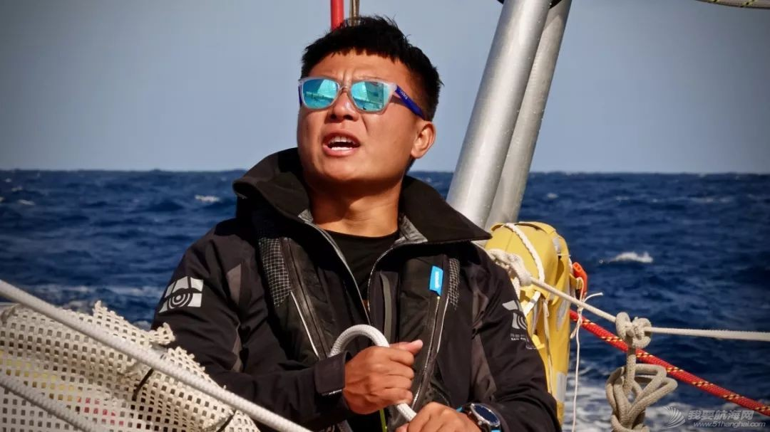 祝贺!青岛号赢得克利伯环球帆船赛揭幕赛!w15.jpg